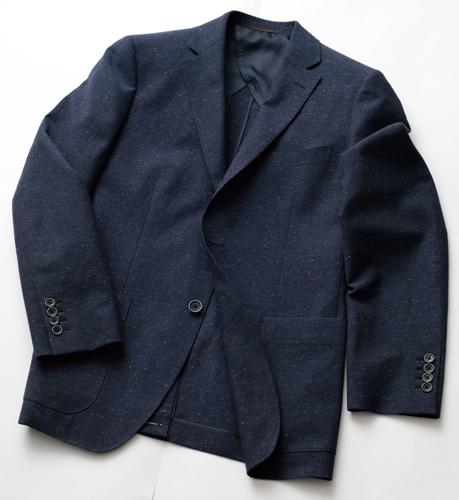 ストレッチ素材のジャケット(23,000円)