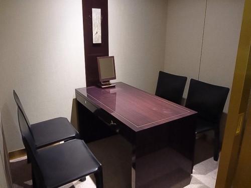 個室の商談室