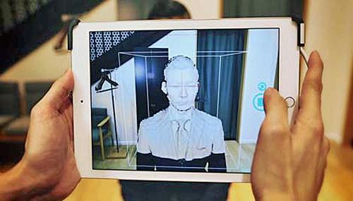 3Dカメラで頭部を360度撮影