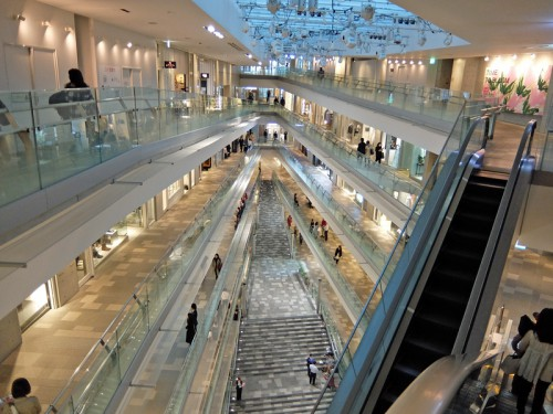 20160317omotesando 2 500x375 - 表参道ヒルズ/全店の40%を改装、10周年で過去最大のリニューアル