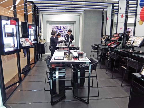 20160323chanel 2 500x375 - シャネル/ルミネに初のコスメティック常設店
