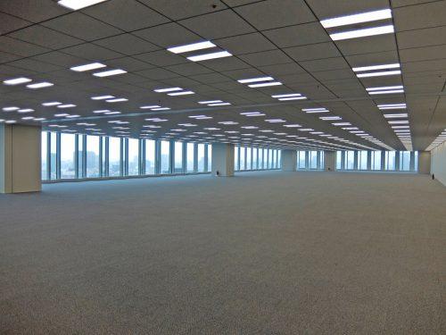 オフィスはワンフロア3300m2超で展開