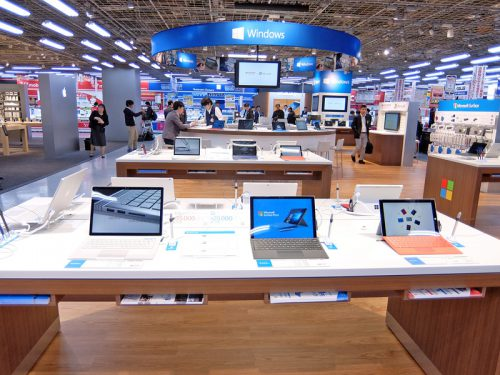 Microsoft Surfaceも展開