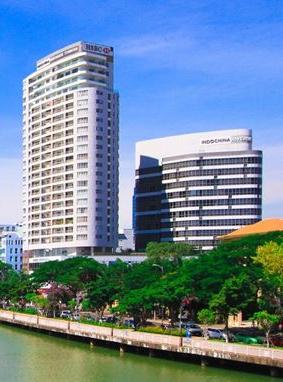 リバーサイドタワー・コマーシャルセンター外観、※左側の高層棟は対象外