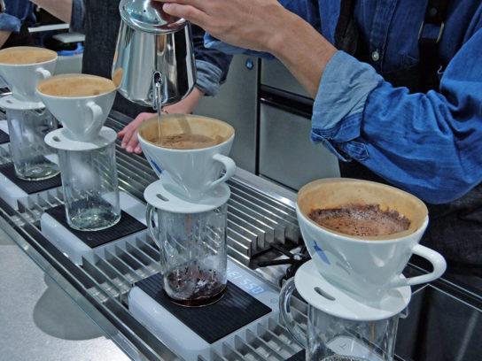 20161114blue 4 544x408 - ブルーボトルコーヒー/アトレ品川にオープン