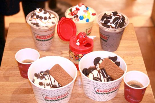 チラーズ、ドーナツアイスに各ブランドのお菓子をトッピング