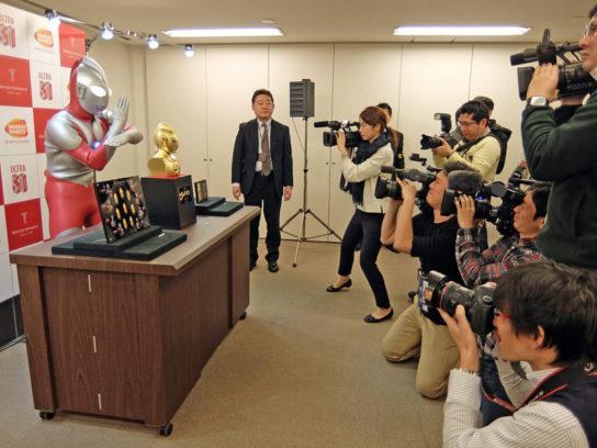 発表会には多くの報道陣が駆け付けた