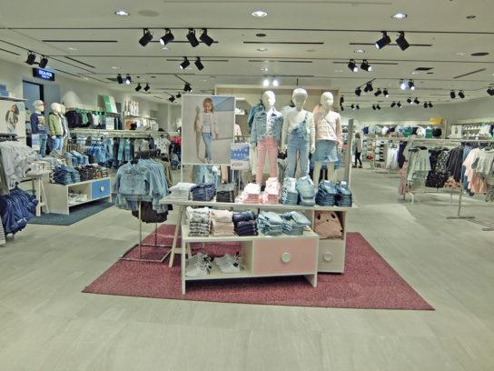 H&M SHIBUYAのキッズコーナー