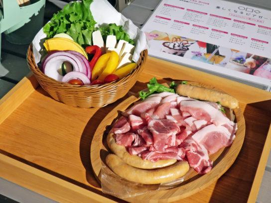 基本メニューの野菜と肉