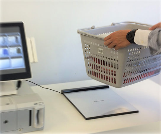 RFID スキャナ「SIMR-SFS」をレジに導入した際の使用イメージ