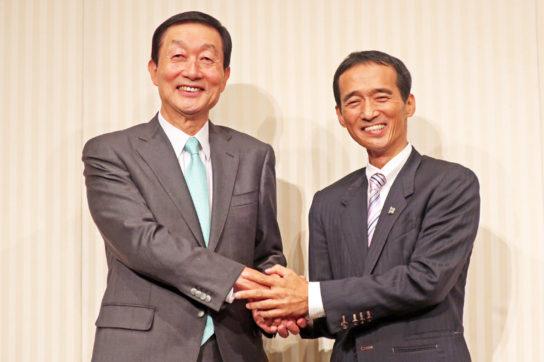 (左)高柳社長と大原社長(右)