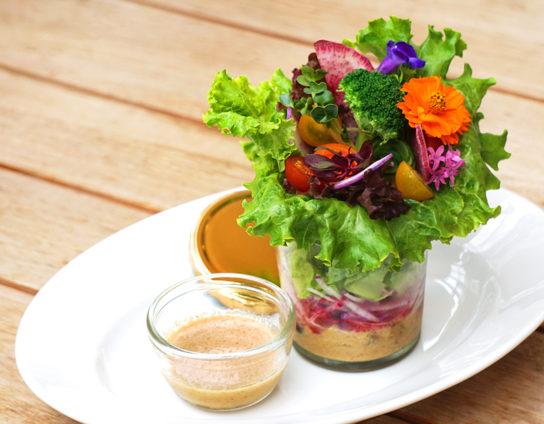花咲く秋野菜のブーケサラダ