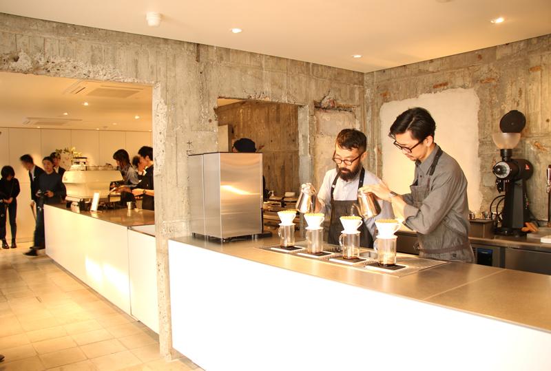 20171026blue2 - ブルーボトルコーヒー/三軒茶屋に診療所をリノベーションした新店舗