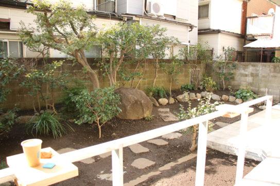 一軒家の庭のようなガーデン
