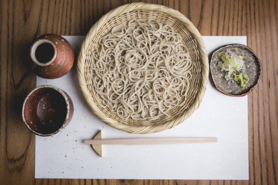 手打ちそばを中心に本格的日本料理を用意