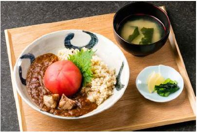 ランチ・丸ごと煮トマトのカレー(1000円)