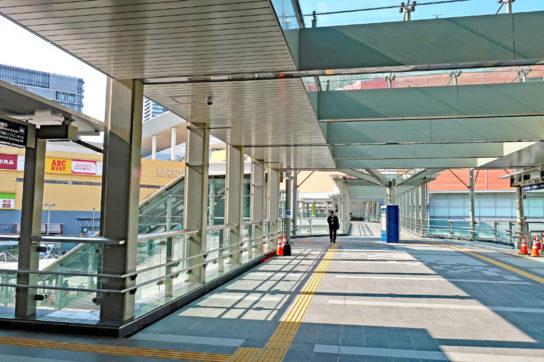川崎駅北口通路はラゾーナ川崎に直結する