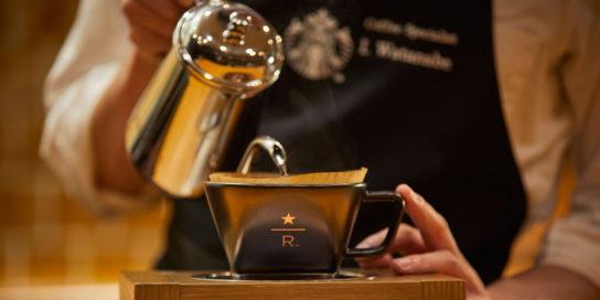 「ブラックエプロンバリスタ」が個性豊かななコーヒーを提供