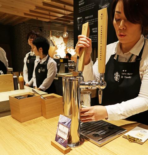 「ブラックエプロン・バリスタ」が質の高いコーヒーを提供