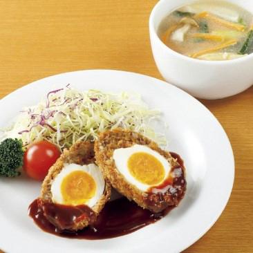 主菜:スコッチエッグ、副菜:キャベツとチーズのトマトスープ