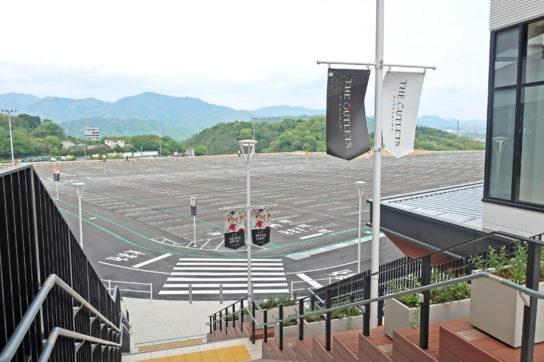 丘陵地帯の地形を生かして施設を設計