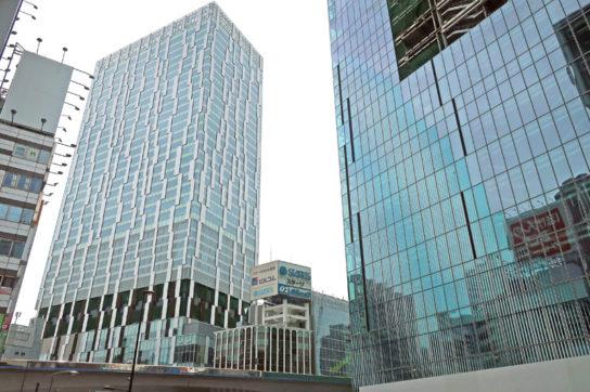 建設中の渋谷ストリーム(左奥)