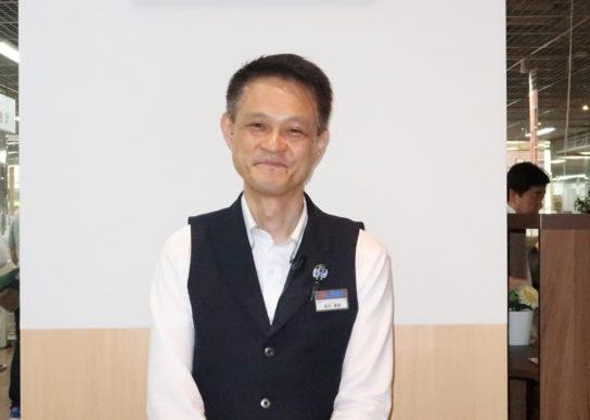 岡井康朗店長