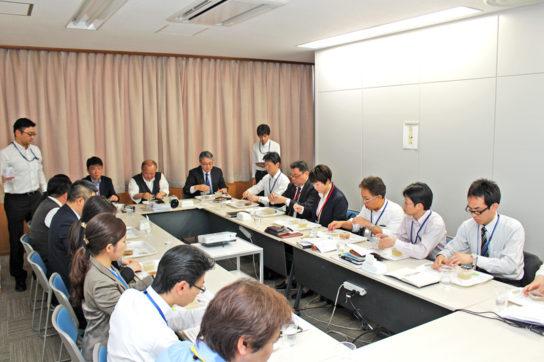 商品開発会議の様子