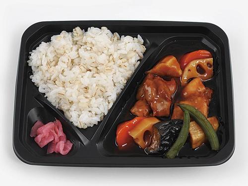 鶏肉と野菜の黒酢あん弁当