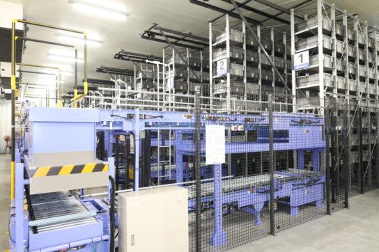 自動倉庫内のバケットは最大8016