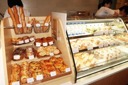 パンを販売