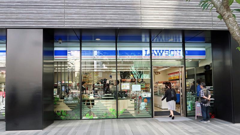 20181009lawson1 - ローソン/秋葉原に都市型実験店、レジ待ち時間削減・客数アップ目指す