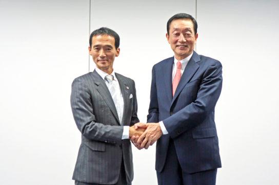 大原社長(左)と高柳社長(右)