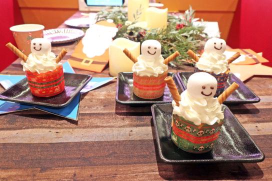 スノーマンのふんわりカップケーキ