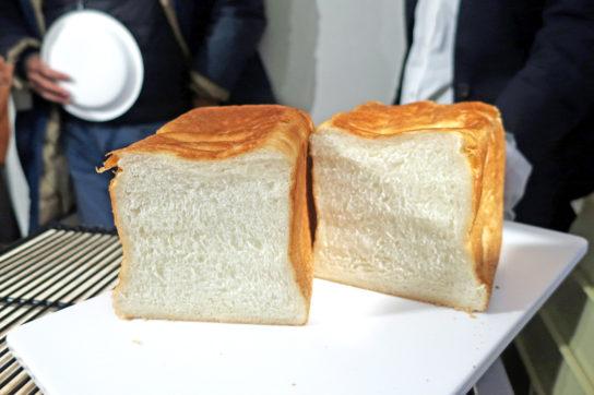 食パンの耳を薄くすることで甘味を出した