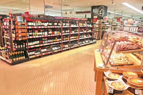 ベーカリー売場前にワイン売場を配置