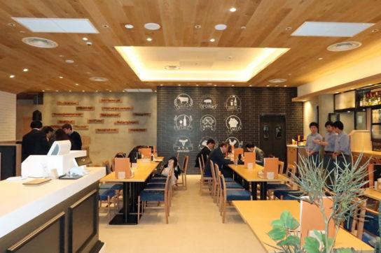 カフェ利用もできるレストラン