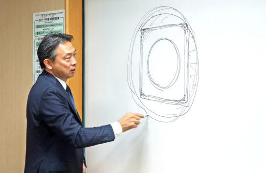 アイデアの膨らませ方を解説する竹野社長