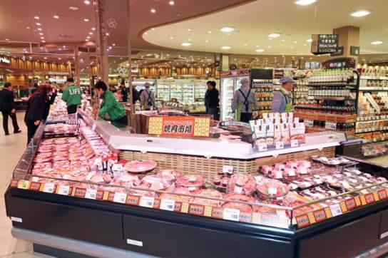 同社最大級の焼肉コーナー「焼肉市場」
