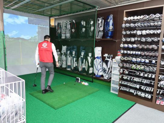 ゴルフ用品の試打室