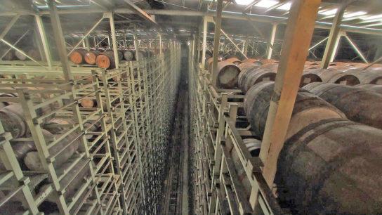 現在の樽熟成庫