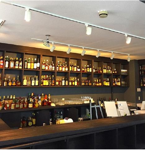 「お酒の美術館」立ち飲みバー併設店