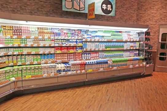第3コーナーに牛乳売場を展開