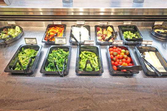 サラダバーの野菜
