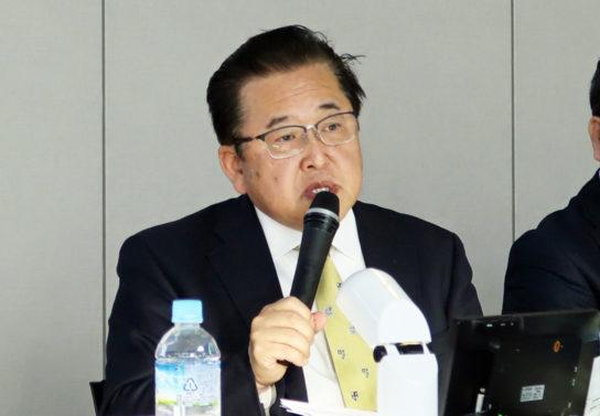 鈴木芳知社長