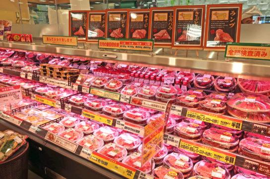 精肉の看板商品の牛肉は店内加工で提供