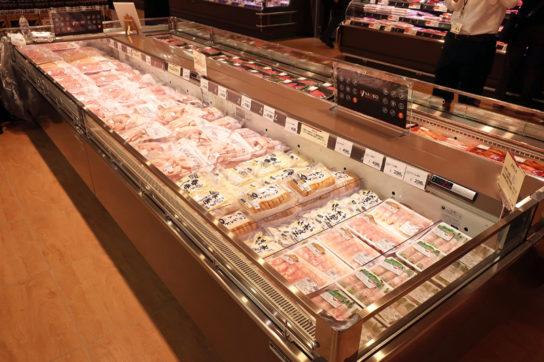 冷凍の大容量パックの精肉商品を展開