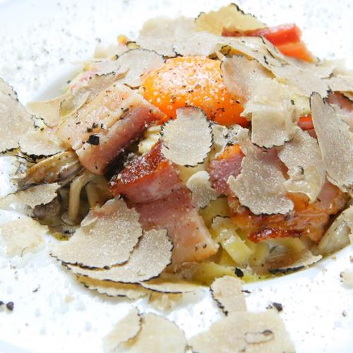イベリコ豚ベーコンのカルボナーラ タリアテッレ