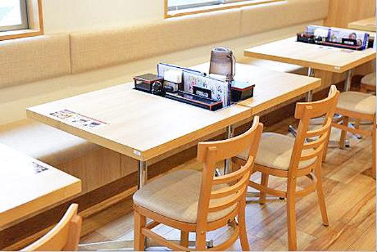 テーブル席の一例
