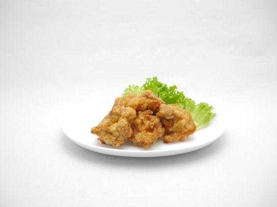 特製醤油仕立ての若鶏もも唐揚